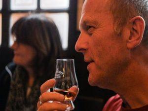 Dublin Whiskey Tours - Whiskey Tasting Tour mobile 2